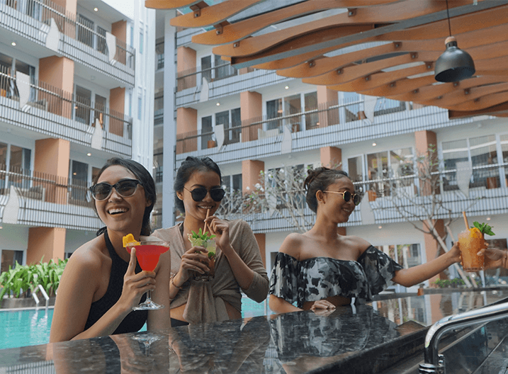 Fairfield by Marriott Kuta Sunset Road Pool Bar