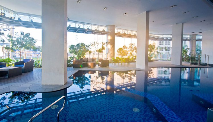 Savoy Hotel Manila indoor pool