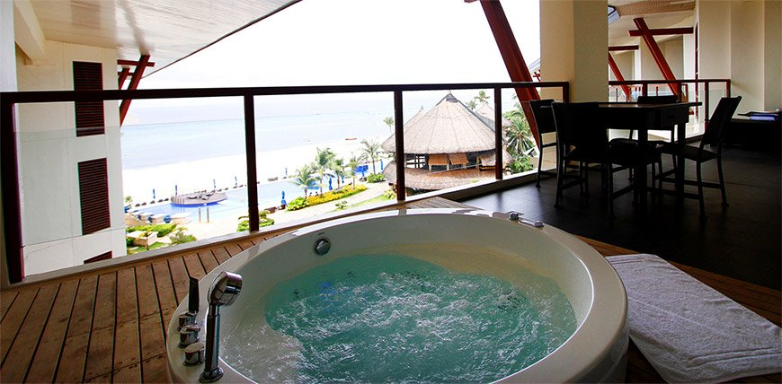 Bellevue Suite with Jacuzzi